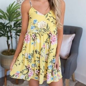 Everly Dress Yellow Floral Knee length Spa…